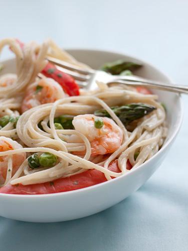 Gluten Free Creamy Garlic Pasta with Shrimp & Vegetables